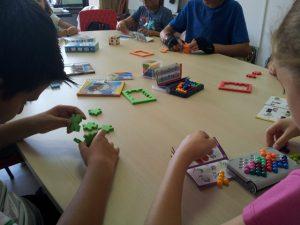 Gândire critică, Jocuri logico-matematice